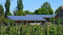Rolnicy będą mogli otrzymać dofinansowanie do mikroinstalacji fotowoltaicznych i wiatrowych oraz pomp ciepła Kliknięcie w obrazek spowoduje wyświetlenie jego powiększenia